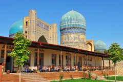 Samarkand Uzbekistan Bibi Khanym moské royaltyfria bilder