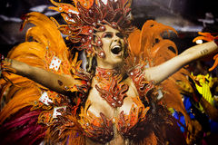 Samba Dancer in Carnaval Stock Afbeeldingen
