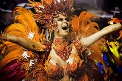 Samba Dancer på Carnaval Arkivbilder