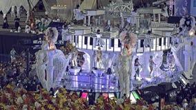 Samba School Scene alla parata dello stadio di carnevale di Sambodromo Immagine Stock