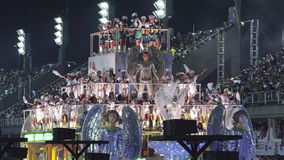 Samba School Scene bij het Stadionparade van Sambodromo Carnaval stock videobeelden