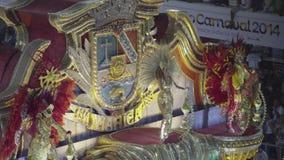 Samba School Scene på Sambodromo karnevalstadion ståtar