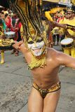 Sambadansare i en fiesta i Cartagena, Colombia Arkivbilder