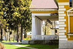 Samchiki,乌克兰- 2017年4月17日:宫殿和公园合奏Samchiki在Samchiki村庄  库存图片
