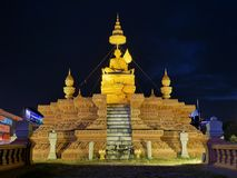 2017-01-03 Samdech Chuon奈斯雕象,金边柬埔寨,在夜社论的雕象 库存图片
