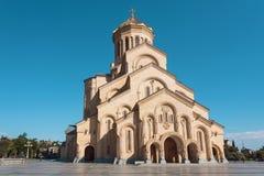 Sameba - la grande struttura della cattedrale della trinità santa della chiesa ortodossa georgiana Fotografia Stock