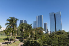 Samedi après-midi au parc Parque du ` s de personnes font Povo dans la PA de sao image libre de droits