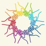 Samen verenigde mensen kleurrijke handen Stock Afbeeldingen