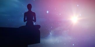 Samengesteld beeld die van geschikte vrouw gesloten ogen mediteren vector illustratie