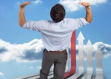 Samengesteld beeld die van zakenman zich met omhoog handen bevinden Royalty-vrije Stock Afbeelding