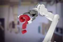 Samengesteld beeld van beeld van het robotachtige 3d vraagteken van de wapenholding Stock Foto's