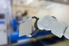 Samengesteld beeld van close-up van 3d de holdingsaanplakbiljet van het hydraulicawapen Royalty-vrije Stock Afbeelding