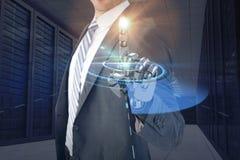 Samengesteld beeld van computer grafisch beeld van zakenman met robotachtige hand in volledig 3d kostuum Royalty-vrije Stock Foto