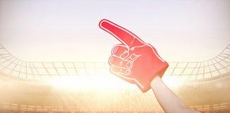 Samengesteld beeld van de Amerikaanse 3d hand van het de verdedigersschuim van de voetbalsterholding stock illustratie