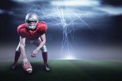 Samengesteld beeld van de Amerikaanse helm van de voetbalsterholding met 3d Royalty-vrije Stock Afbeelding