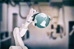 Samengesteld beeld van digitaal geproduceerd beeld van 3d de bol van de robotholding Stock Foto's