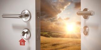 Samengesteld beeld van digitaal geproduceerd beeld van open deur met huissleutel stock afbeeldingen