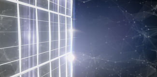 Samengesteld beeld van direct onder 3d schot van glas die bouwen Stock Afbeeldingen