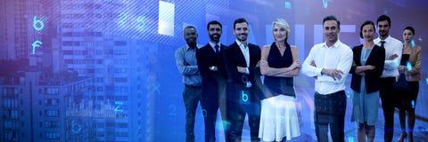 Samengesteld beeld van divers glimlachend commercieel team stock fotografie