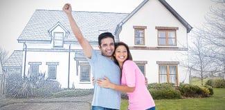 Samengesteld beeld van gelukkig paar die bij camera en het omhelzen glimlachen royalty-vrije stock fotografie