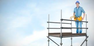 Samengesteld beeld van gelukkige timmerman met houten 3d planken Stock Afbeelding