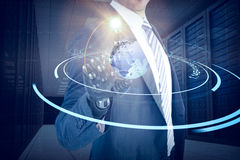 Samengesteld beeld van grafisch beeld van zakenman met robotachtige 3d hand Stock Foto