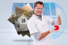 Samengesteld beeld van het jonge wetenschapper werken met een beker Royalty-vrije Stock Afbeeldingen