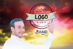 Samengesteld beeld van het vrolijke zakenman schrijven met teller Royalty-vrije Stock Foto's