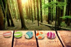 Samengesteld beeld van kleurrijke zij aan zij geschikte paaseieren Royalty-vrije Stock Fotografie
