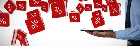 Samengesteld beeld van medio sectie van de tabletpc van de zakenmanholding Royalty-vrije Stock Foto's