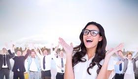 Samengesteld beeld van mooi brunette in hipsterglazen Stock Fotografie