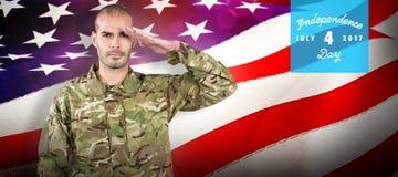 Samengesteld beeld van portret van het zekere militair groeten Stock Foto's