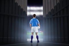 Samengesteld beeld van rugbyspeler het gesturing met 3D handen Royalty-vrije Stock Foto