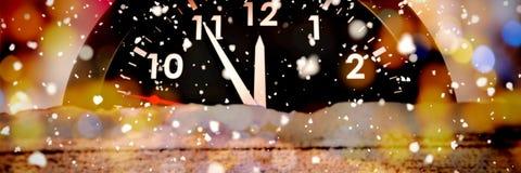 Samengesteld beeld van sneeuw het vallen stock foto's
