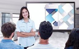 Samengesteld beeld van toevallige jonge zakenman die presentatie geven aan collega's Stock Foto's