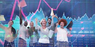 Samengesteld beeld van vrolijke bedrijfsmensenbedrijfsdossiers stock foto