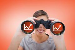 Samengesteld beeld van vrouw het kijken door kijkers Stock Fotografie
