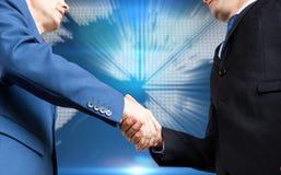 Samengesteld beeld van zakenman het schudden handen royalty-vrije stock foto