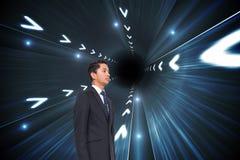 Samengesteld beeld van zakenman omhoog het kijken Royalty-vrije Stock Fotografie
