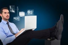 Samengesteld beeld van zakenmanzitting op de vloer met voeten omhoog op 3d koffer Stock Fotografie