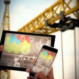 Samengesteld 3d beeld van dichte omhooggaand van handen die digitale tablet en mobiele telefoon met behulp van Stock Fotografie