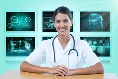 Samengesteld 3d beeld van portret van het glimlachen vrouwelijke artsenzitting bij bureau Stock Afbeelding