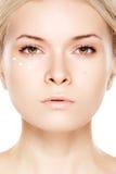 Samenstelling & de kosmetiek, gezicht. Vrouw met schone huid Stock Foto
