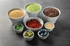 Samenstelling met assortiment van superfoodproducten Stock Foto
