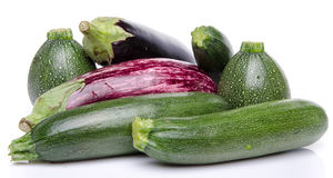 Samenstelling met aubergines en courgette Royalty-vrije Stock Foto's