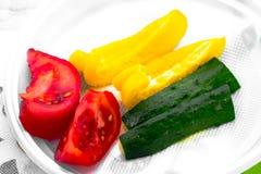 Samenstelling met geassorteerde ruwe organische groenten Detoxdieet royalty-vrije stock fotografie