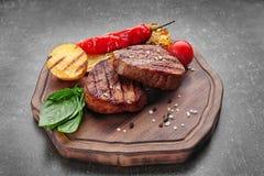Samenstelling met smakelijke geroosterde lapjes vlees Royalty-vrije Stock Afbeeldingen