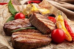 Samenstelling met smakelijke geroosterde lapjes vlees Royalty-vrije Stock Fotografie