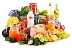 Samenstelling met verscheidenheid van kruidenierswinkelproducten op wit Royalty-vrije Stock Afbeeldingen