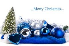 Samenstelling van de blauwe Kerstmisballen Stock Fotografie